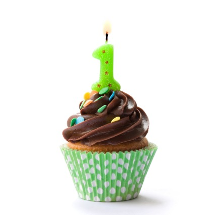 cupcakes-first-birthday-candle_491484.jpg